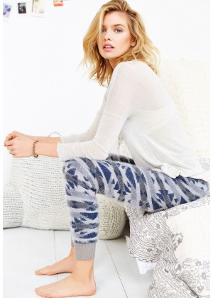 Stella Maxwell: Urban Outfitters 2014 -50