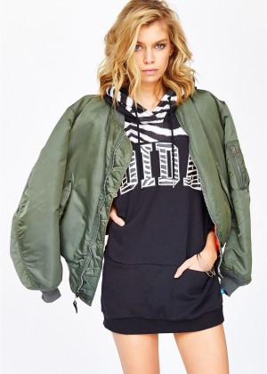 Stella Maxwell: Urban Outfitters 2014 -68