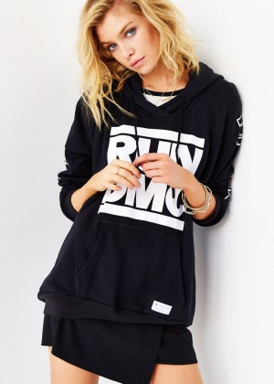 Stella Maxwell: Urban Outfitters 2014 -80