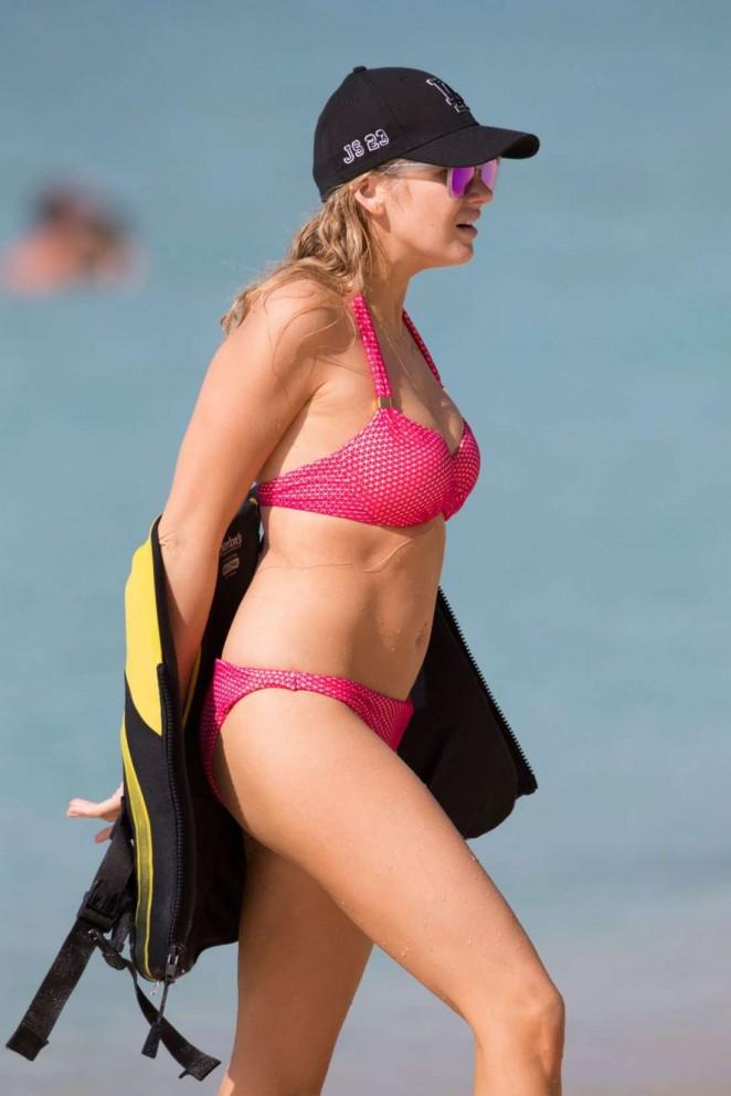 Stephanie Pratt in Pink Bikini on the Beach in Barbados