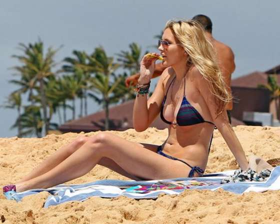 Stephanie Pratt - In a Black bikini in Hawaii