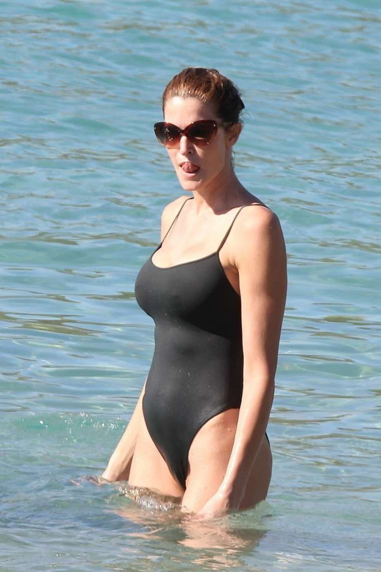 Stephanie Seymour In Black Swimsuit In St Barts 24