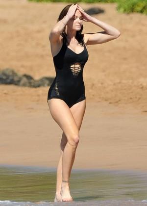 Stephanie Seymour in Black Swimsuit -17
