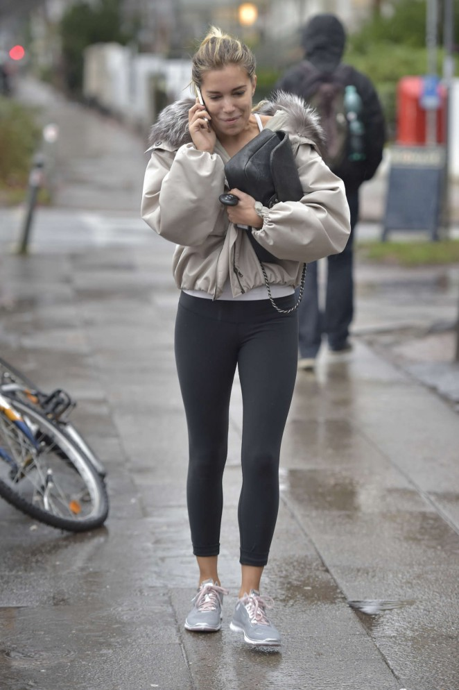 Sylvie Meis in Tight Leggings -01