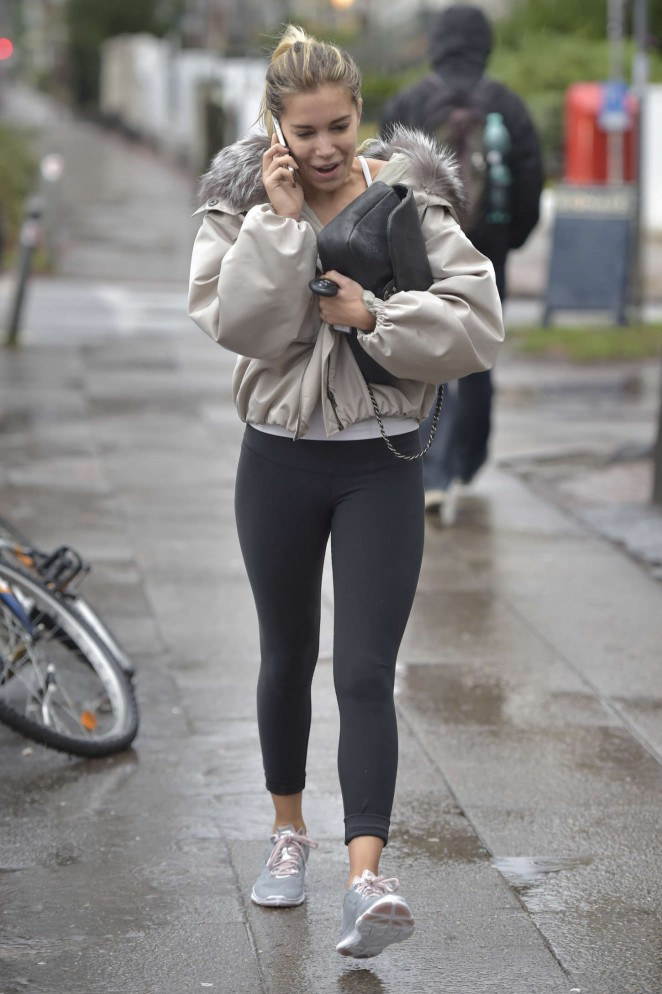 Sylvie Meis in Tight Leggings -03