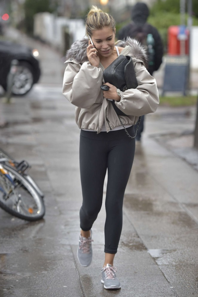 Sylvie Meis in Tight Leggings -16