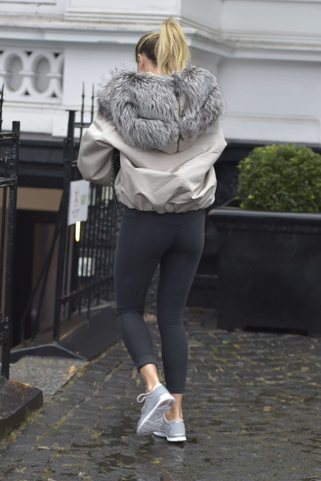 Sylvie Meis in Tight Leggings -18