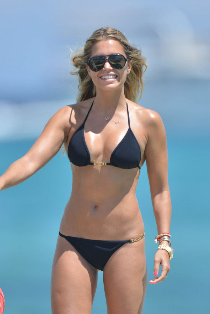 Sylvie van der Vaart - Bikini Candids on the Beach in St. Tropez
