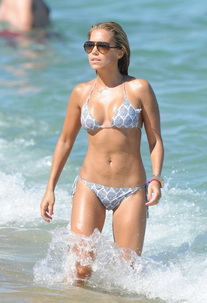 Sylvie van der Vaart Wearing Bikini on the Beach in St Tropez
