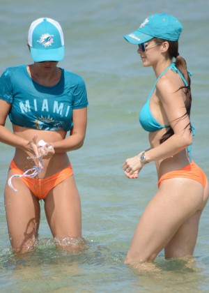 Tahiti Cora and Anais Zanotti - Bikini candids at Miami Beach