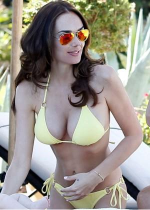 Tamara Ecclestone in a Yellow Bikini in St Tropez-04