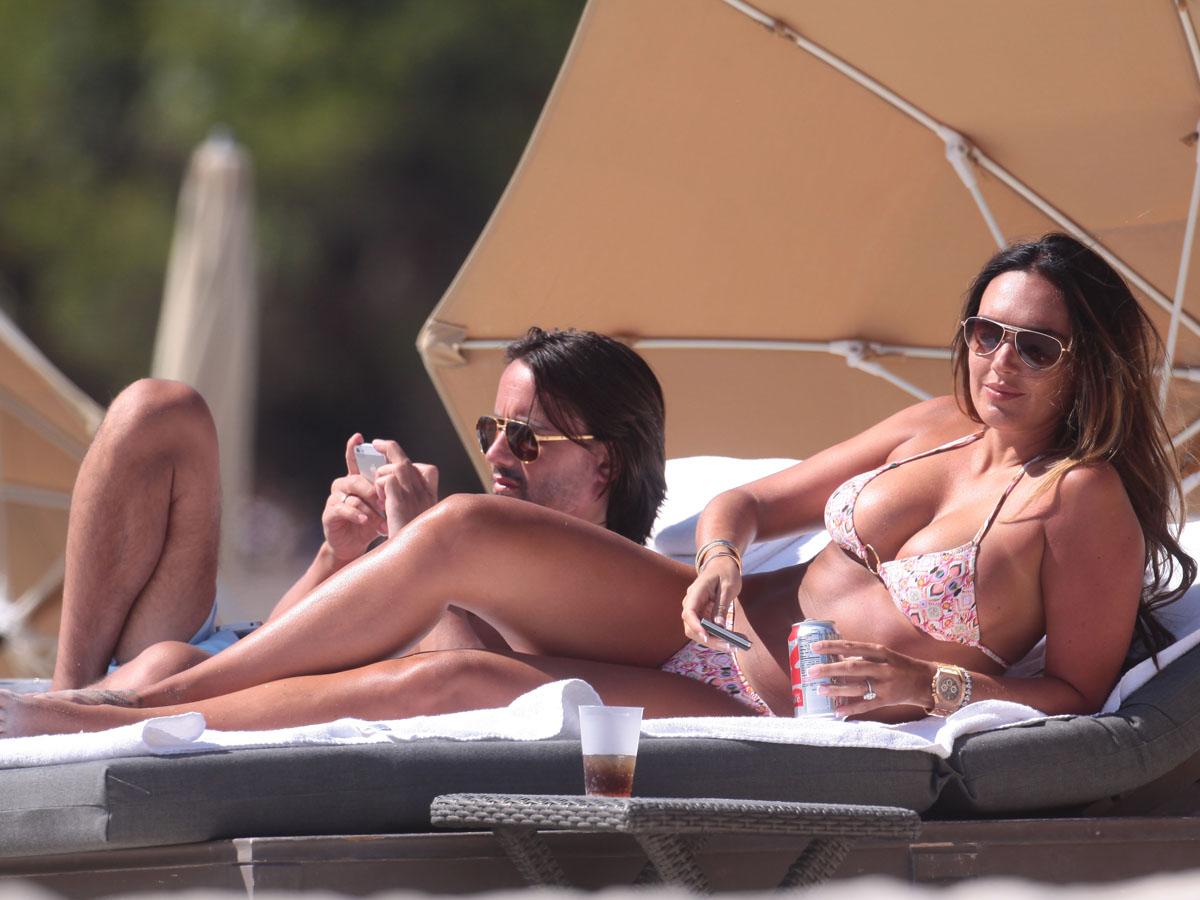 Tamara Ecclestone 2013 : Tamara Ecclestone In pink bikini In Miami -11