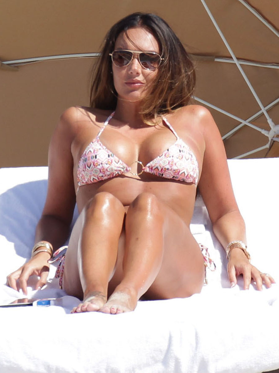 Tamara Ecclestone 2013 : Tamara Ecclestone In pink bikini In Miami -15
