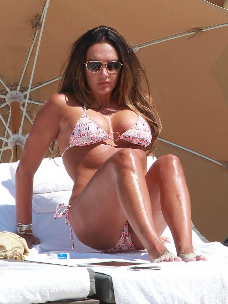 Tamara Ecclestone 2013 : Tamara Ecclestone In pink bikini In Miami -29