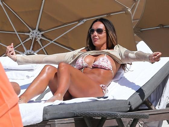 Tamara Ecclestone 2013 : Tamara Ecclestone In pink bikini In Miami -33