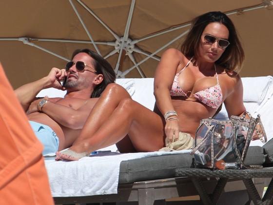 Tamara Ecclestone 2013 : Tamara Ecclestone In pink bikini In Miami -34