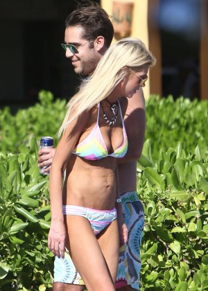 Tara Reid in Bikini on a pool in in Hawaii