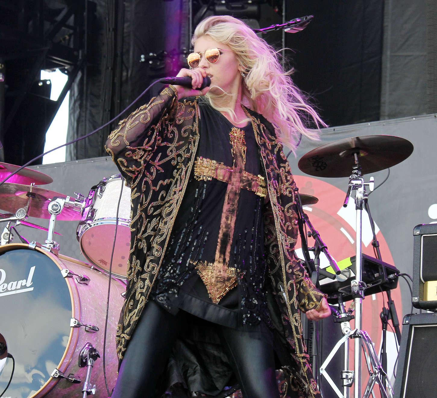 Taylor Momsen 2014 : Taylor Momsen: 2014 iHeartRadio Music Festival -08