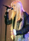Taylor Momsen got lapdance from Jenna Haze on stage in House of Blues-09