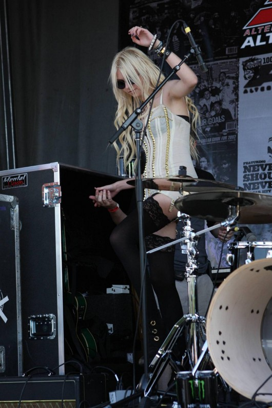 Taylor Momsen Concert In Carson 05 Gotceleb