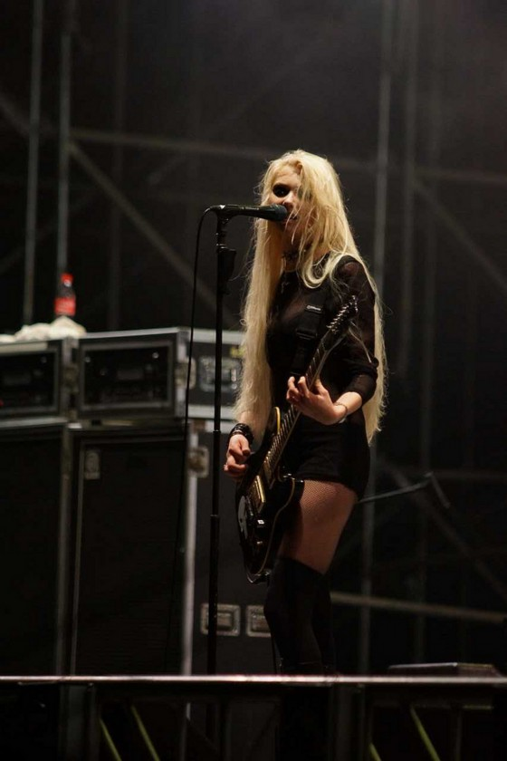 How Many Famous People... Taylor Momsen Dead