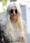 Taylor Momsen - On The Set Of GOSSIP GIRL in New York-02