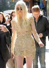 Taylor Momsen - On The Set Of GOSSIP GIRL in New York-10