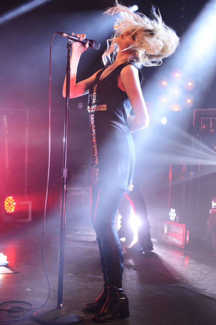 Taylor Momsen - Performance at the iHeartRadio Theater in New York