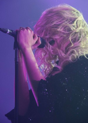 Taylor Momsen - Performs Live at Brixton Academy in London