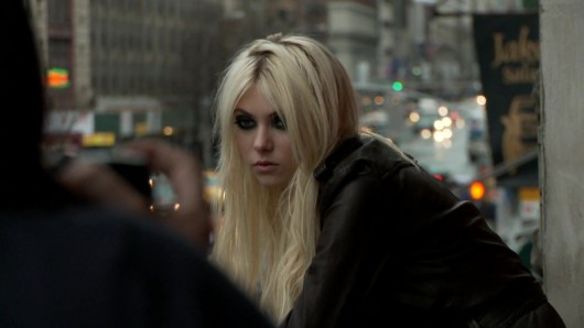 taylor-momsen-teen-vogue-photoshoot-2010-09