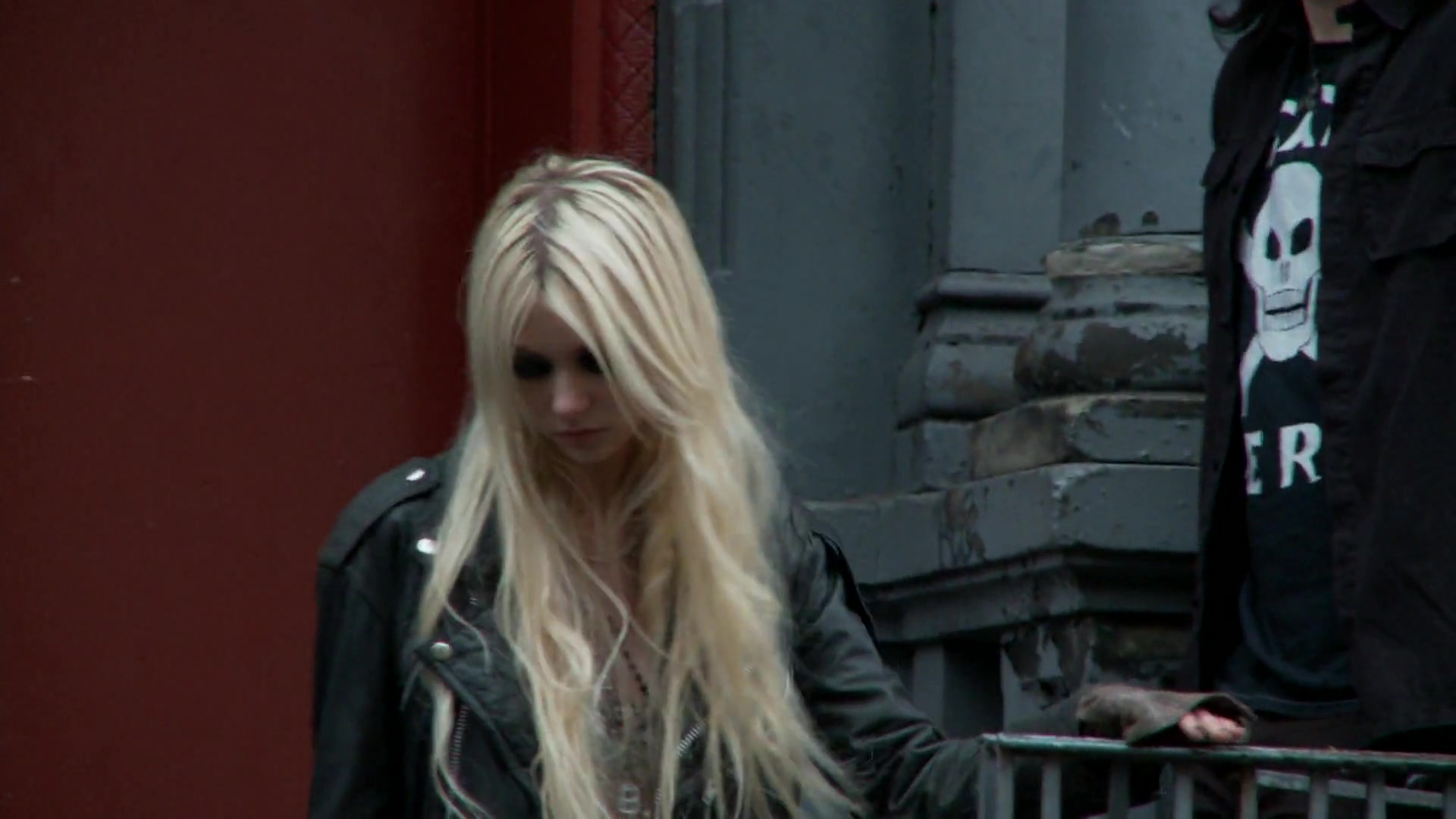 taylor-momsen-teen-vogue-photoshoot-2010-31