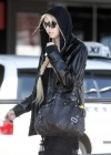 Taylor Momsen - The Perth Airport -06