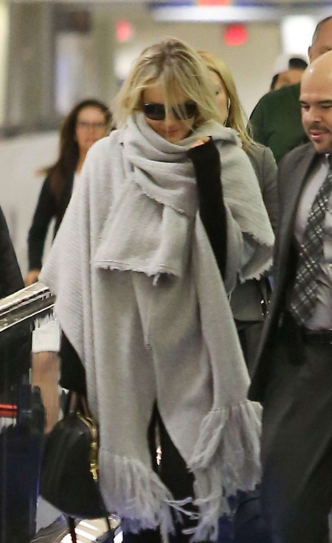 Taylor Schilling at LAX -12