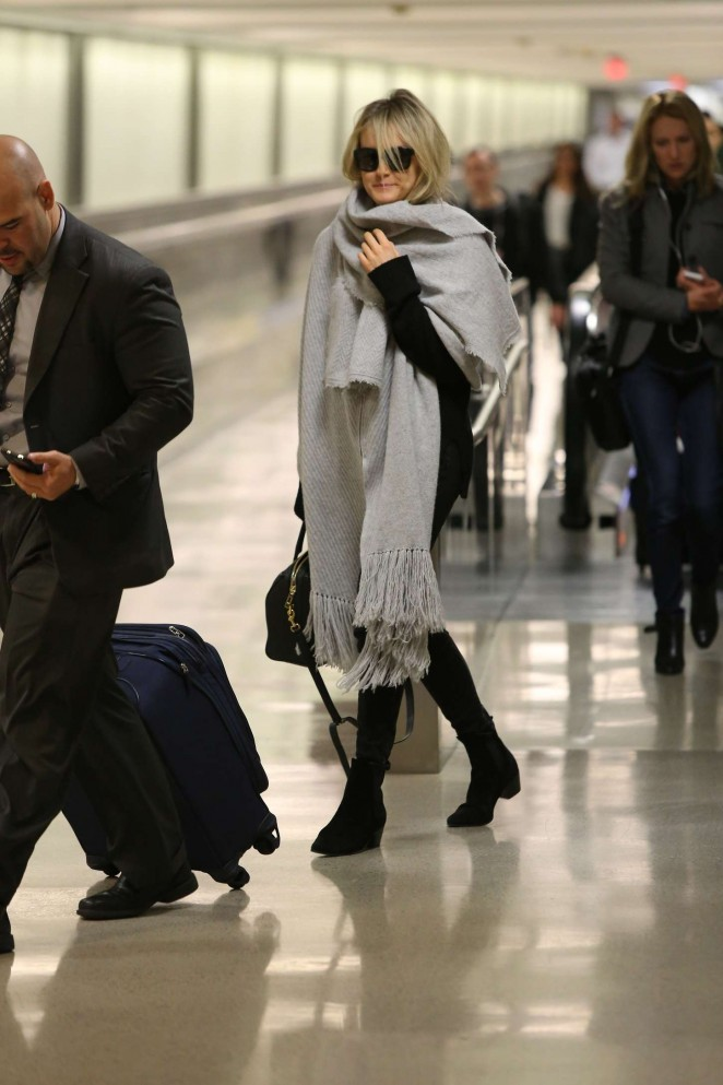 Taylor Schilling at LAX -15