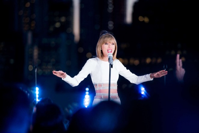 Taylor Swift: 1989 Secret Session with iHeartRadio -05