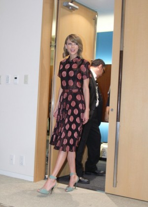 Taylor Swift - 1989 Tokyo Press Conference -08