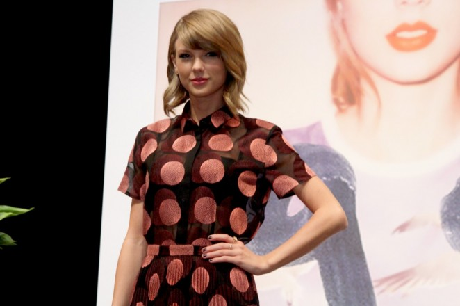 Taylor Swift – 1989 Tokyo Press Conference -10