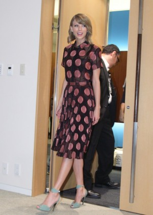 Taylor Swift - 1989 Tokyo Press Conference in Japan