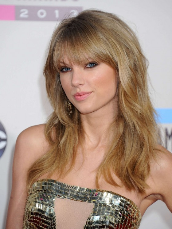 Taylor Swift: 2013 American Music Awards -09