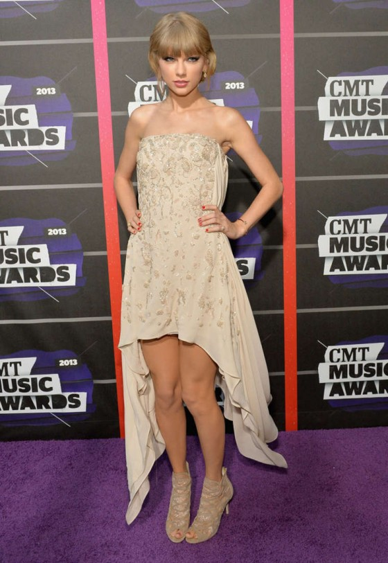 Taylor Swift – 2013 CMT Music Awards in Nashville