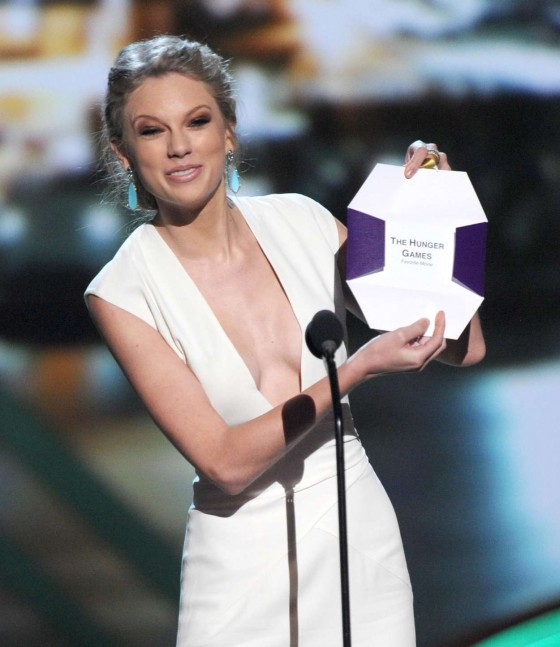 Taylor Swift - 2013 39th Annual People's Choice Awards in LA