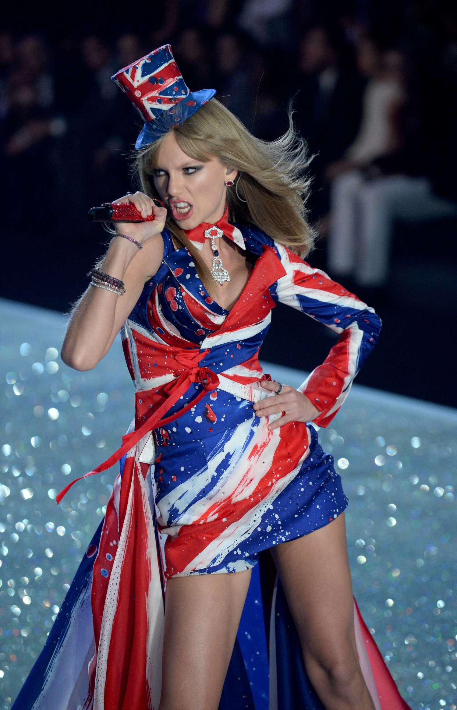Taylor Swift 2013 Vs Fashion Show 05 Gotceleb