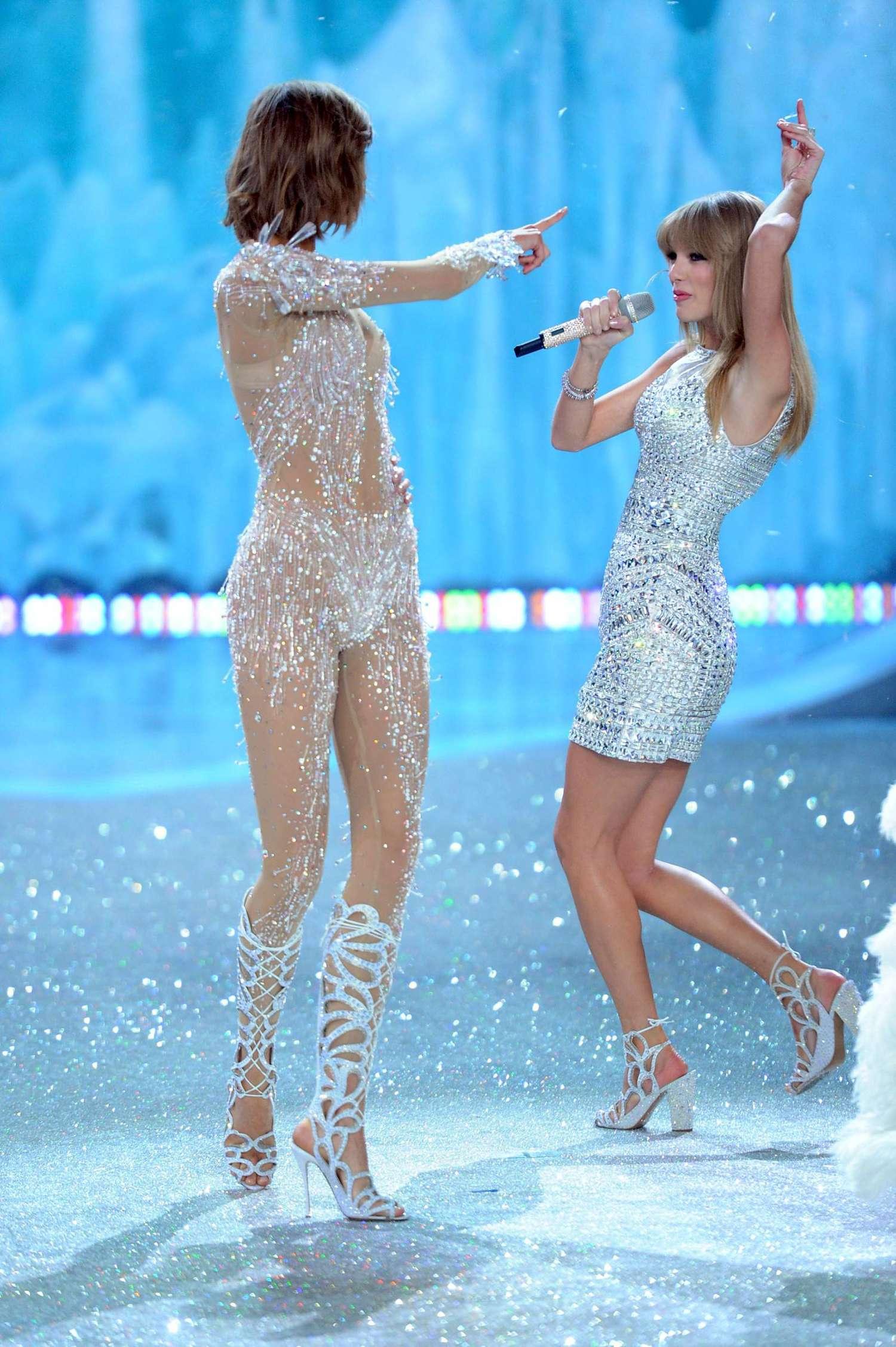 Taylor Swift 2013 Vs Fashion Show 06 Gotceleb