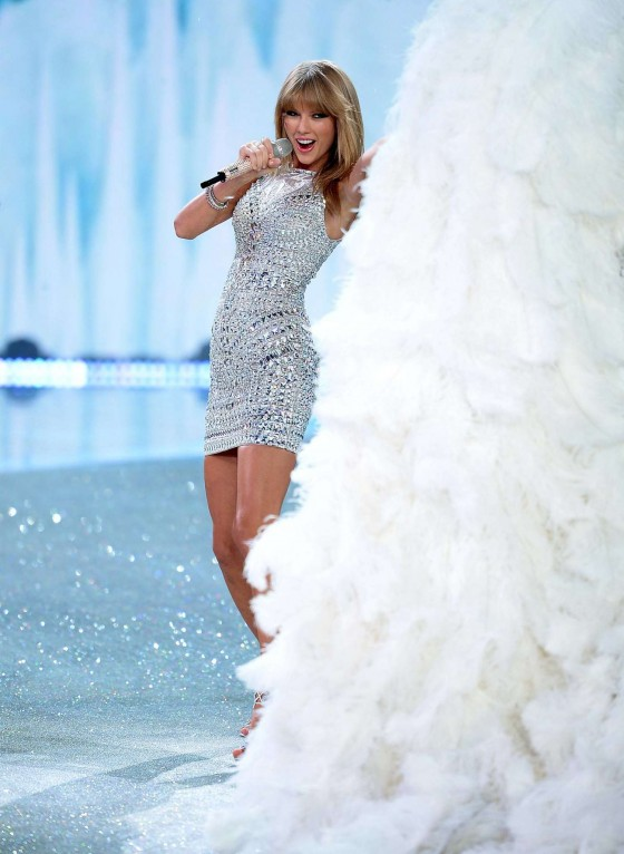 Taylor Swift: 2013 VS Fashion Show -07