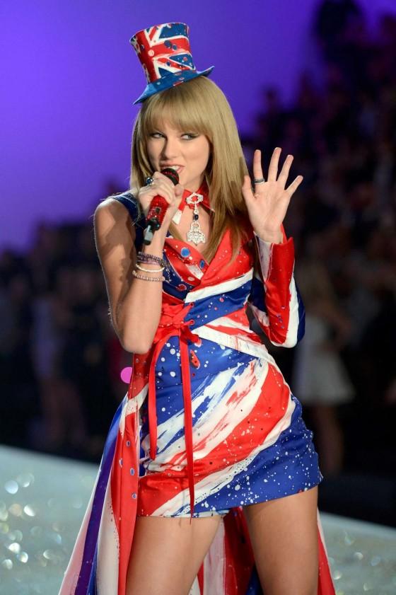 Taylor Swift: 2013 VS Fashion Show -22