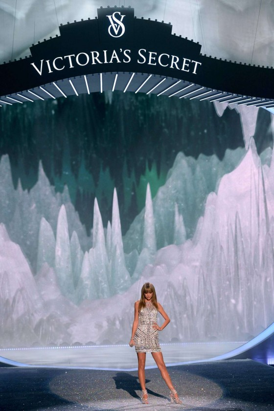 Taylor Swift: 2013 VS Fashion Show -27
