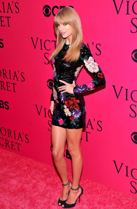 Taylor Swift: 2013 VS Fashion Show -29