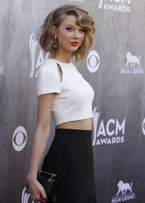 Taylor Swift: 2014 Academy of Country Music Awards -02
