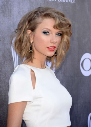 Taylor Swift: 2014 Academy of Country Music Awards -03