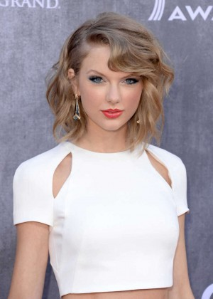 Taylor Swift: 2014 Academy of Country Music Awards -04